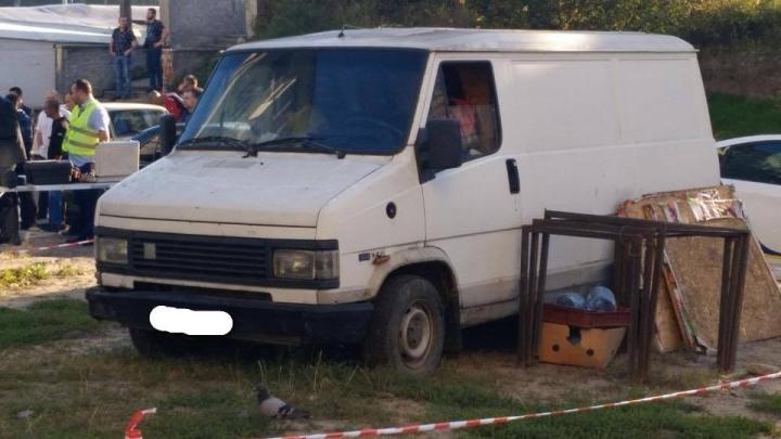 У Львові в салоні автомобіля знайшли тіло чоловіка, який помер при загадкових обставинах