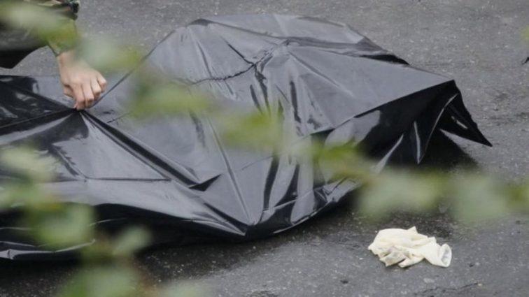 Померла при загадкових обставинах: У Харкові на ставку знайшли тіло молодої жінки