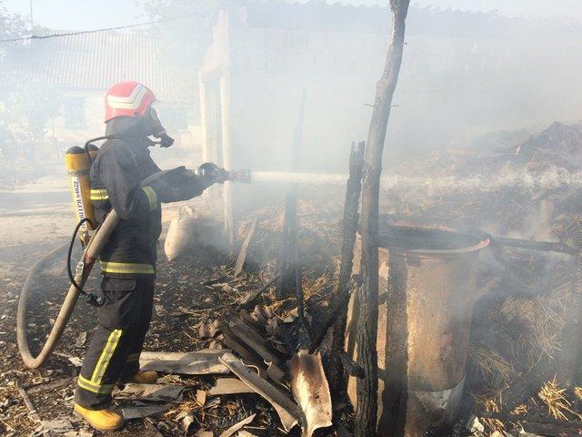 Батьки не догледіли: На Кіровоградщині під час гасіння пожежі рятувальники знайшли тіло чотирирічної дитини