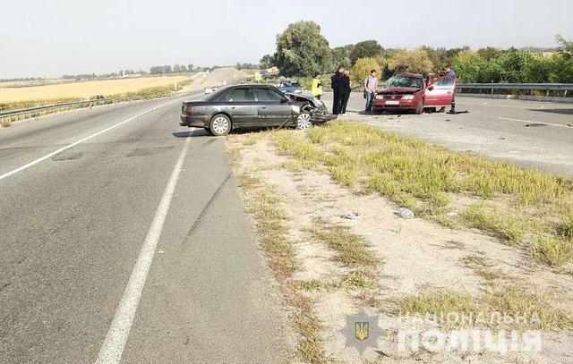 Моторошна ДТП на Полтавщині: Легковики на шаленій швидкості зіткнулись лоб в лоб, є жертви