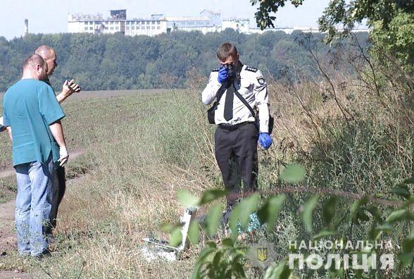 Перерізав горло і залишив помирати: На окружній Києва знайшли тіло жінки, яку вбив власний соловік
