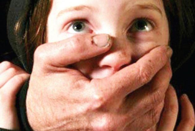Мовчала боячись, що її не повірять: На Сумщині 40-річний репетитур цілий рік знущався над дитиною