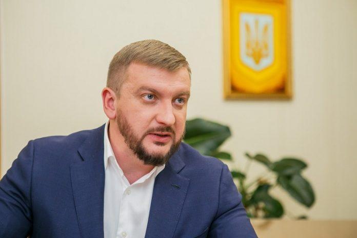 Звинуватили у кришуванні рейдерства: Скандального міністра Петренка хочу відправити у відставку