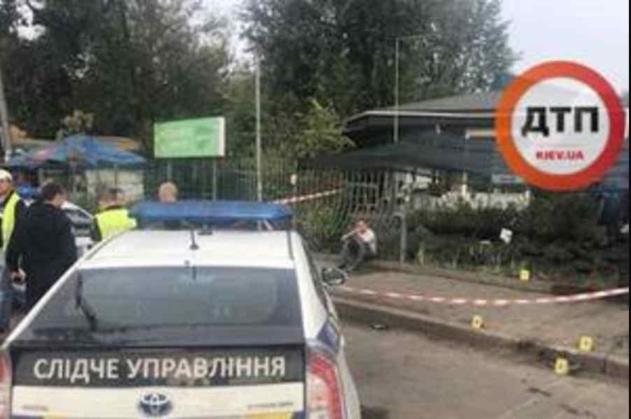 Жінка загинула миттєво: смертельна ДТП у Києві, винуватець спробував втекти