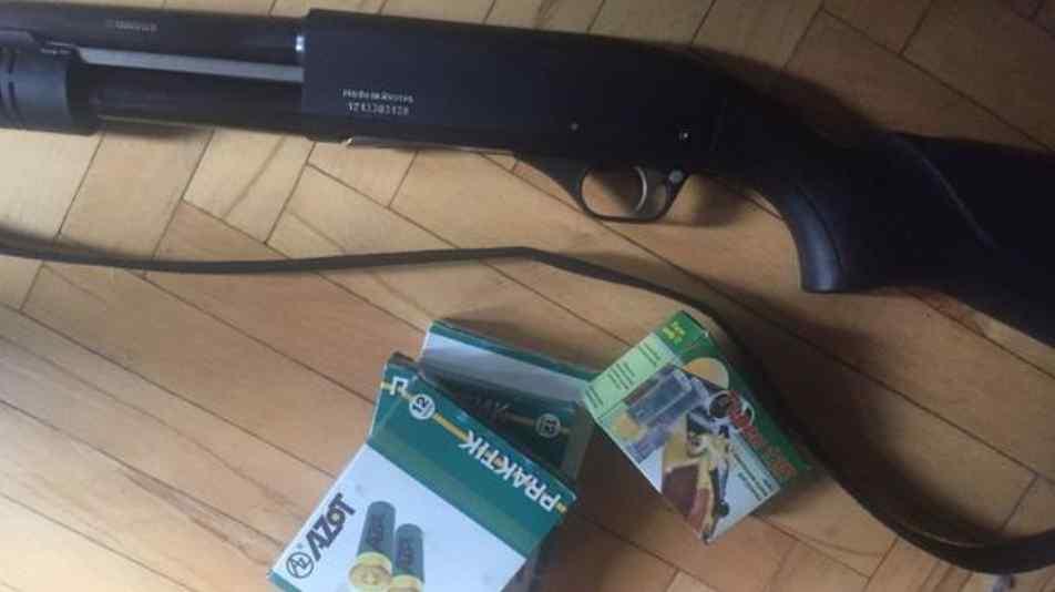 Дівчину у дворі підстрелила пенсіонерка: розповіли подробиці стрілянини в центрі Києва