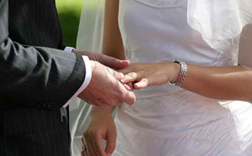 Церемонію провели прямо в палаті: наречена померла через 3 дні після весілля