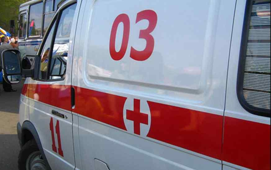 Впав у кому вже вдома: охоронець піцерії вбив відвідувача