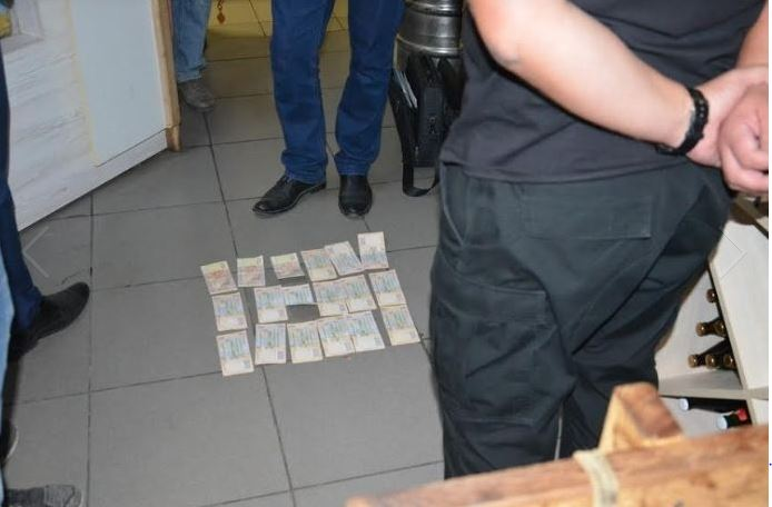 На хабарі затримали одного з керівників патрульної поліції Івано-Франківщини