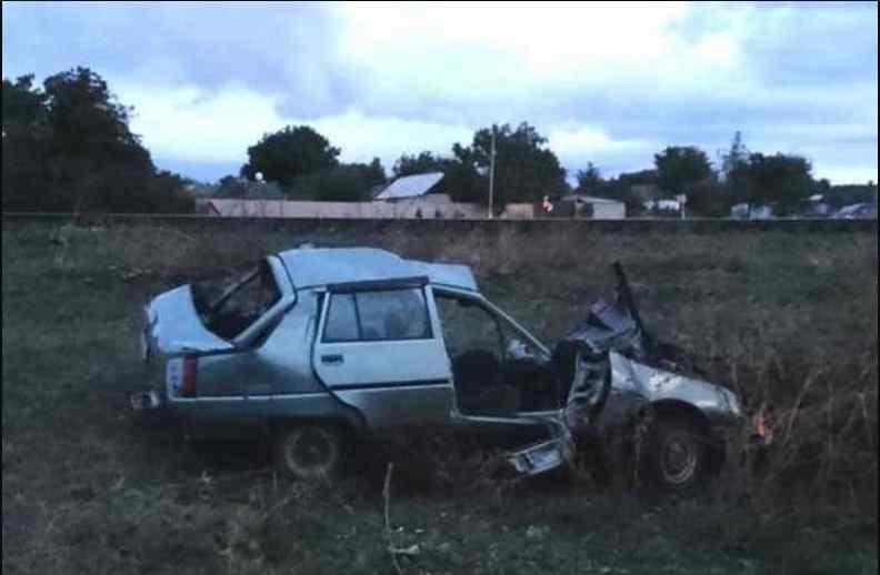 Під Миколаєвом швидкісний поїзд протаранив легковик: не обійшлося без жертв