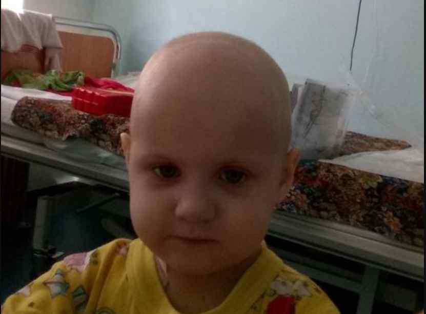 Дівчинці потрібна термінова операція: врятуйте життя 2-річної крихітки Каті