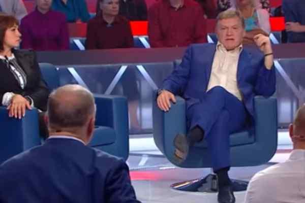 """""""Я теж тобі не давав, заткнися"""":  Червоненко поскандалив із заступником міністра у прямому ефірі"""