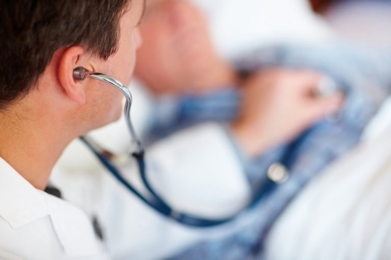 За це українці можуть не платити: Стало відомо, які медичні послуги згідно нової реформи стануть безплатними