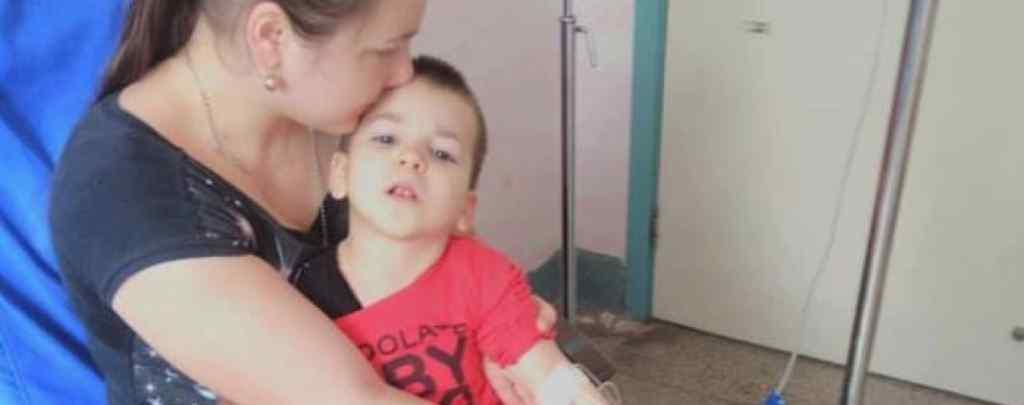 Хлопчик мріє про щасливе життя: допоможіть Назарку одужати