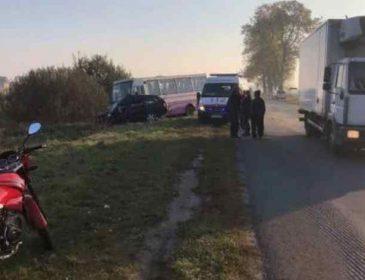 У Львівщині авто протаранило маршрутку: 2 загиблих та 6 постраждалих