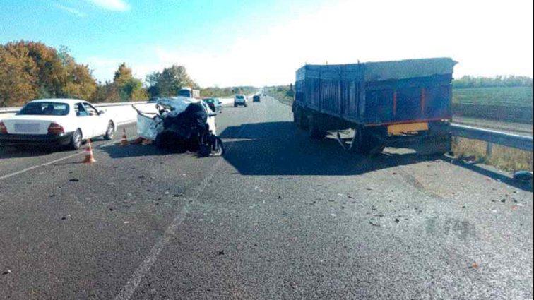 """Небезпечна аварія на трасі """"Київ-Одеса""""забрала життя пасажирки, всі подробиці"""