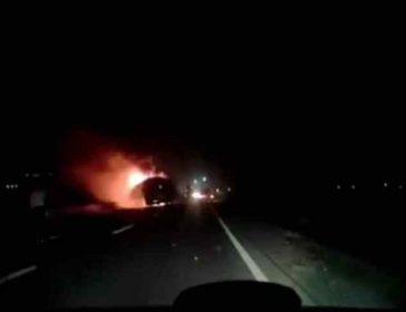Поверталися з відпочинку в Карпатах: у Львові на ходу загорівся автобус з туристами