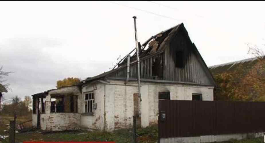 Не змогла навіть відчинити двері: жінка у візочку і двоє маленьких дітей згоріли живцем