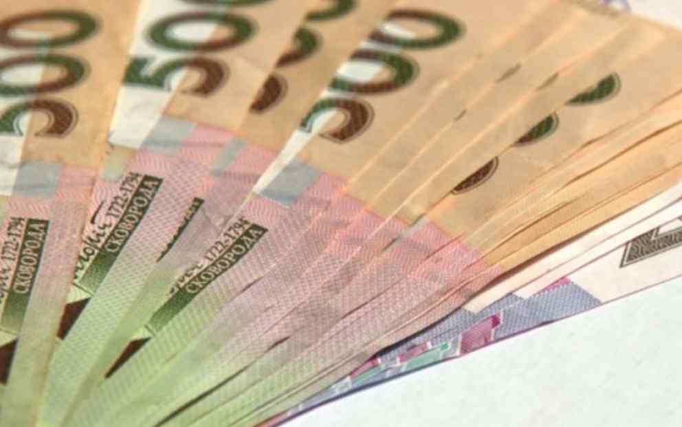 Діяли в інтересах приватної фірми: Міносвіти розгорівся корупційний скандал