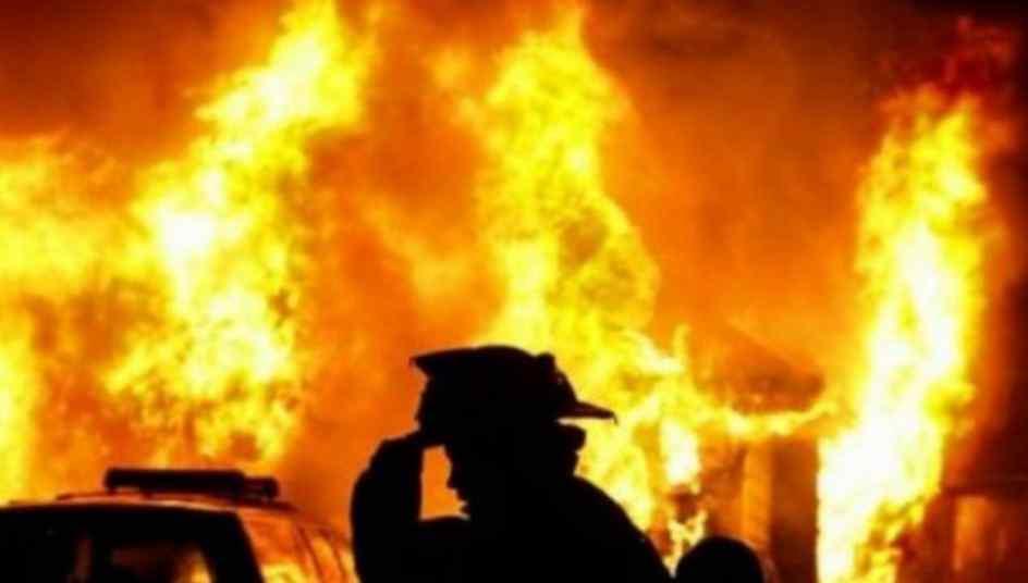 На Луганщині згорів торговельний центр, перші подробиці про жертв