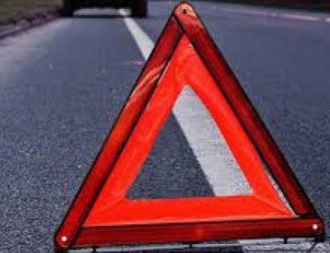 На повному ходу в'їхав у вантажівку: на Львівщині в аварії загинуло двоє людей