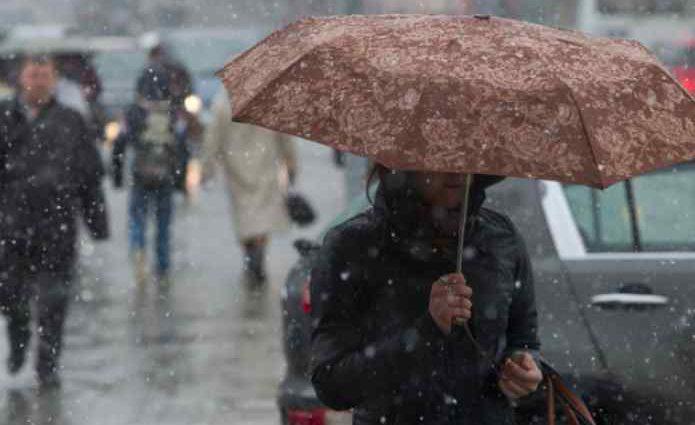 Дощ та сніг: Синоптики розповіли, яких сюрпризів від погоди варто очікувати українцям 24 жовтня