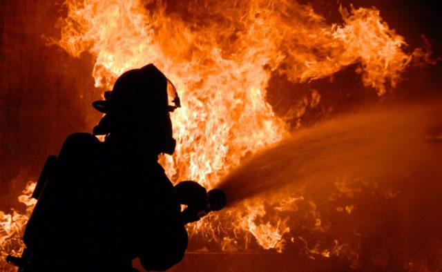 """""""Житомир ледь не повторив трагедію в Кемерово"""": У Торговому центрі спалахнула  масштабна пожежа, перші подробиці НП"""