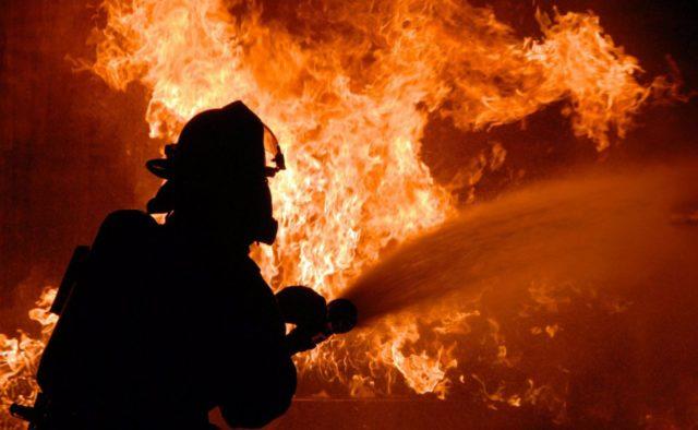 Під Черніговом спалахнула масштабна пожежа: перші подробиці