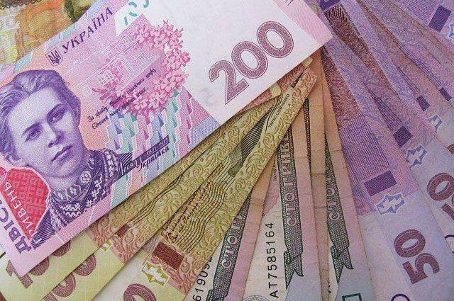Затягуйте пояси тугіше! В Україні підвищать розміри податків