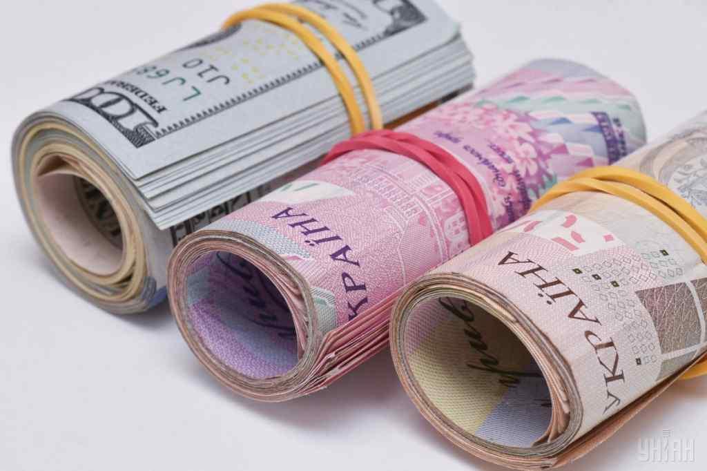 По 4 тисячі гривень кожному: українці можуть отримати додаткові виплати від держави, які умови