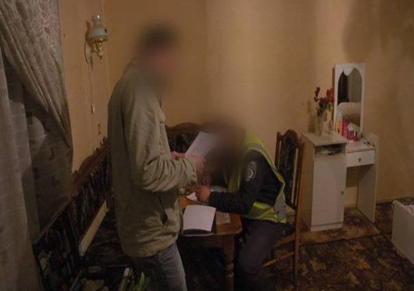 Під Києвом п'яний чоловік жорстоко вбив власну матір