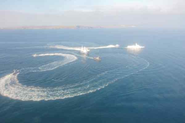 Куди відвезли українські кораблі з полоненими: повідомили подробиці