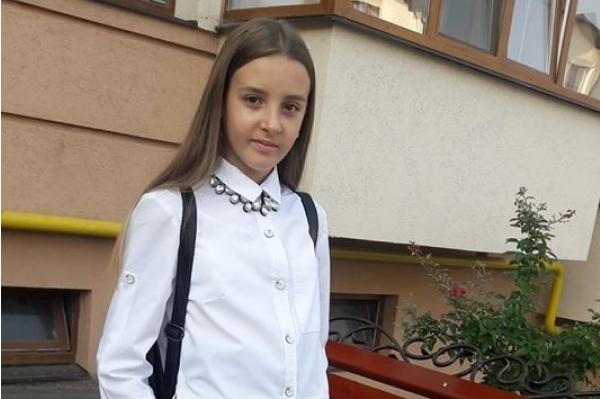За життя дівчинки боролися до останнього: померла школярка-жертва жахливої ДТП