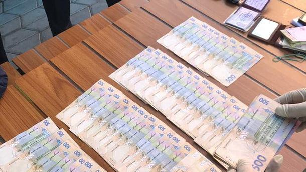 У Сумській області викрито на хабарі впливового чиновника