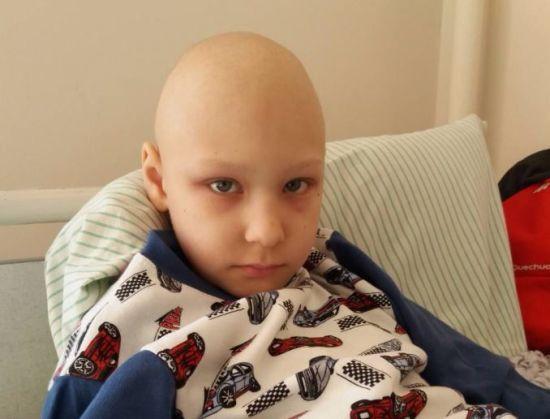 Залишились лічені дні: 8-річному Дмитрику потрібна термінова допомога небайдужих