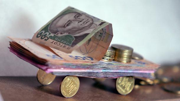 Доведеться платити десятки тисяч гривень: Влада підготувала неосяжні податки на вживані машини