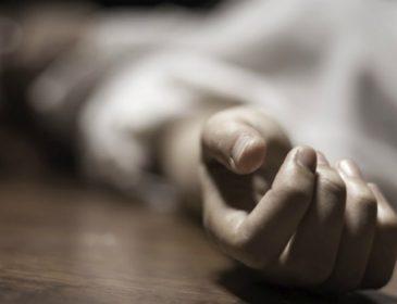 Кілька разів ударила головою об підлогу та залишила помирати: У Києві дівчина жорстоко вбила мачуху