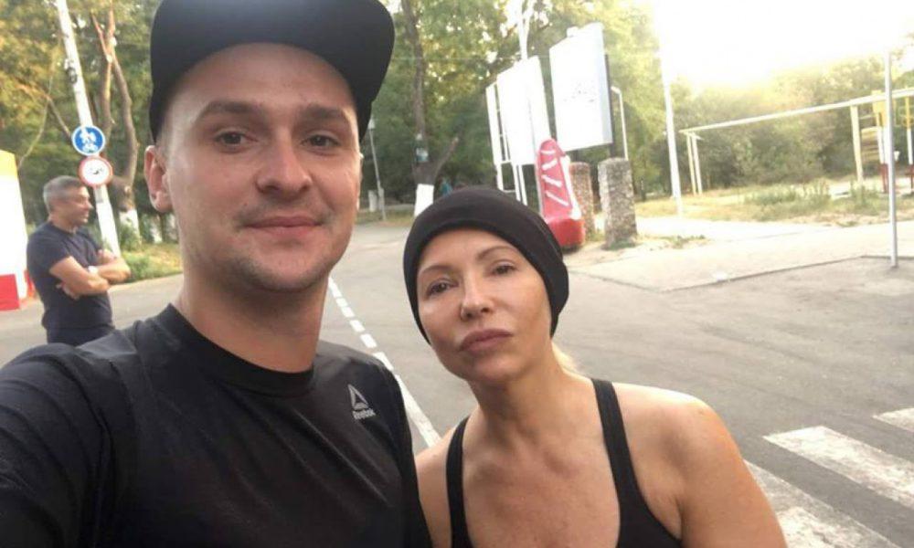 Ще та артистка: На мітингах Тимошенко почала співати з Пономарьовим – фотофакт