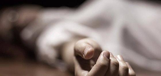 Лежав без ознак життя, а син продовжував його лупцювати: У Чернівцях син жорстоко вбив батька