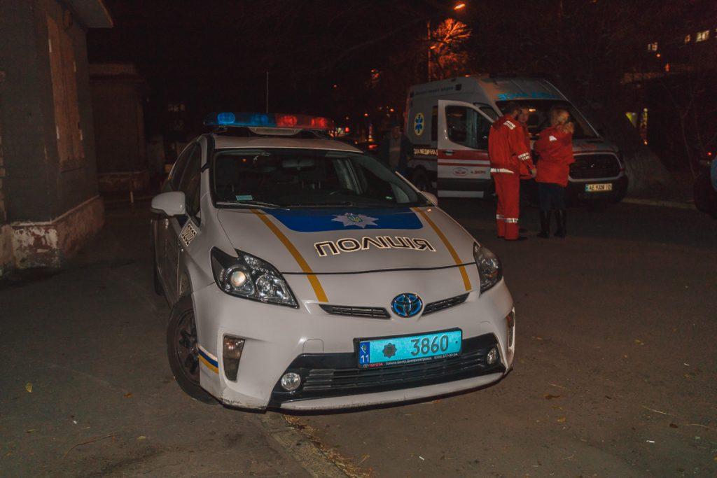 Йому намагалися допомогти: у Львові на трамвайній зупинці помер чоловік