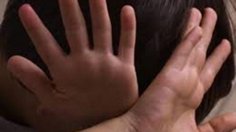 Задовольнив з ним статеву пристрасть: чоловік жорстоко познущався над дитиною
