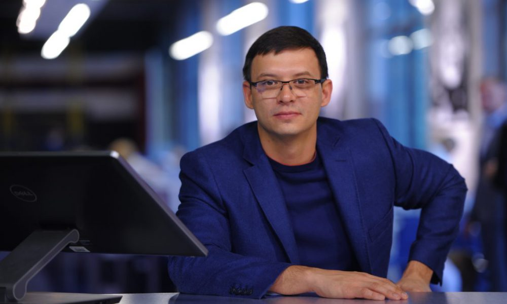 «Малорос» і «падлюка»: Гримчак напав на нардепа Мураєва в прямому ефірі
