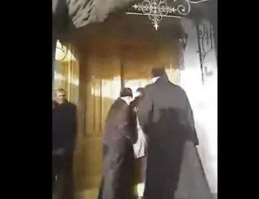 Прямо під час богослужіння: на Тернопільщині священики влаштували побоїще у храмі