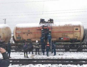 Фатальне селфі на вагоні: У Львові молоду пару вразило струмом