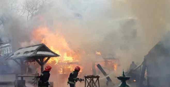 У Львові на різдвяному ярмарку прогримів гучний вибух, є жертви: перші подробиці трагедії