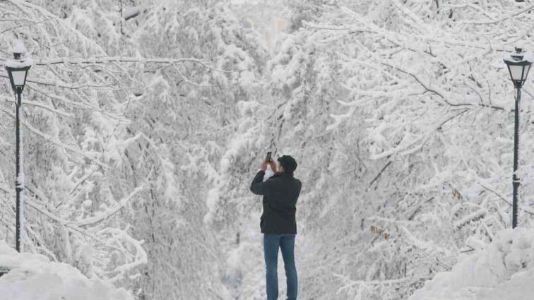 Буде морозно з опадами снігу: Синоптики розповіли, яких сюрпризів від погоди варто очікувати 16 грудня