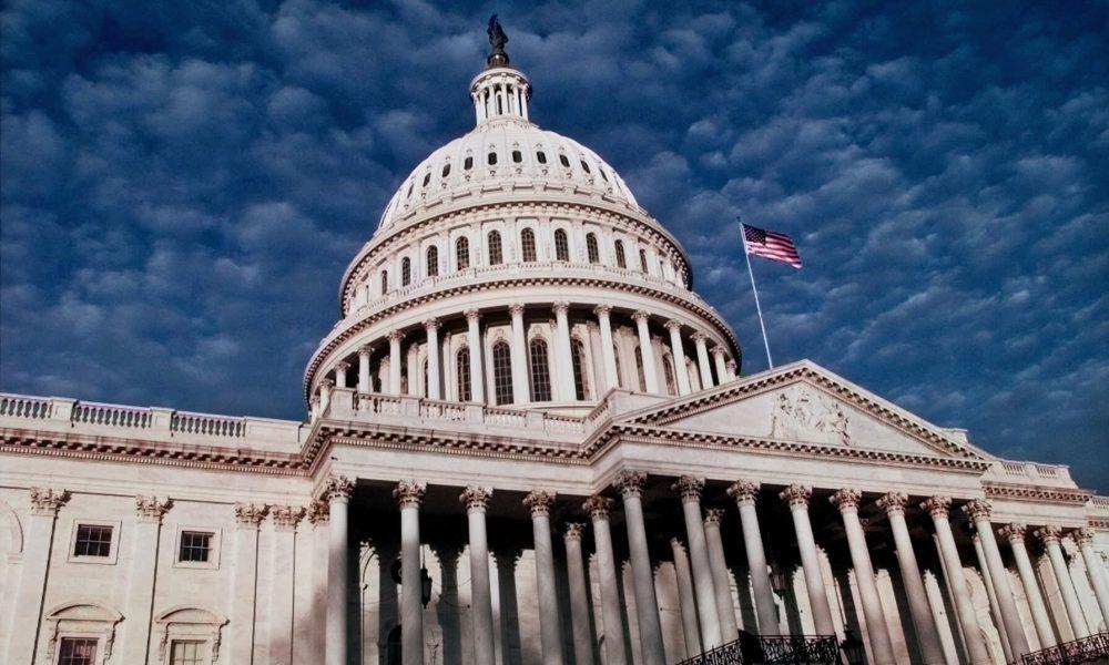 """""""Змусити їх відповісти"""": Конгрес США ухвалив дві надважливі резолюції щодо Росії"""