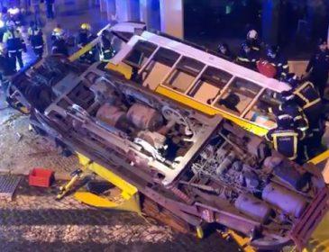 Трамвай зійшов з рейок і врізався в будівлю, багато постраждалих: перші подробиці