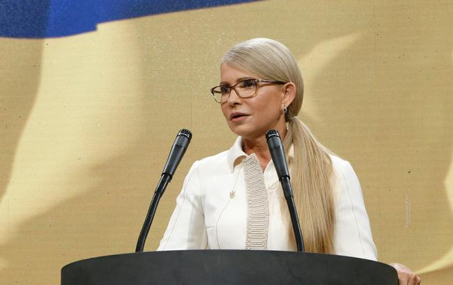 Ведучі рознесли Тимошенко своїми питаннями про Росію у прямому ефірі. Леді Ю стало погано!