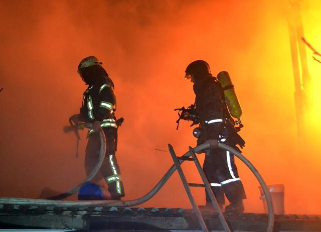 Все в диму: У столичній багатоповерхівці сталась масштабна пожежа
