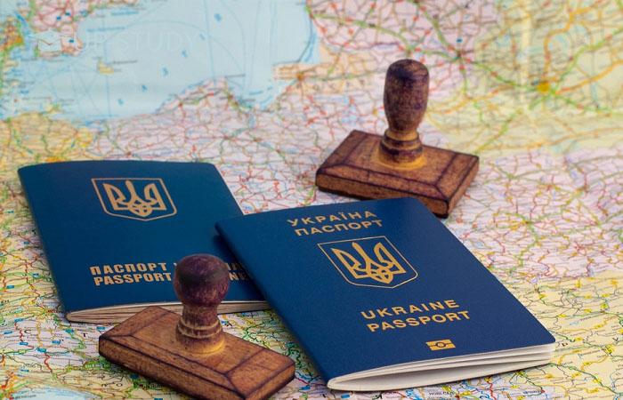 Вже з 1 січня: В Україні змінються правила оформлення віз, що потрібно знати